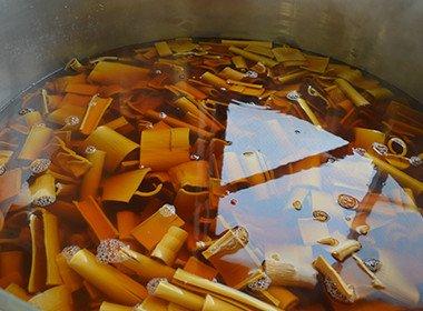 簡易密封回転釜で攪拌装置(羽根)のあるタイプの場合。